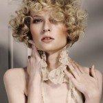 capelli corti ricci10 150x150   Dai forma ai tuoi ricci! 40 foto per scegliere il taglio capelli che fa per te!