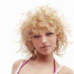 capelli corti ricci11 150x150   Dai forma ai tuoi ricci! 40 foto per scegliere il taglio capelli che fa per te!