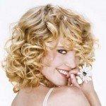 capelli corti ricci14 150x150   Dai forma ai tuoi ricci! 40 foto per scegliere il taglio capelli che fa per te!