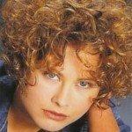 capelli corti ricci15 150x150   Dai forma ai tuoi ricci! 40 foto per scegliere il taglio capelli che fa per te!