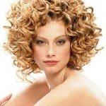 capelli corti ricci16 150x150   Dai forma ai tuoi ricci! 40 foto per scegliere il taglio capelli che fa per te!