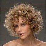 capelli corti ricci31 150x150   Dai forma ai tuoi ricci! 40 foto per scegliere il taglio capelli che fa per te!