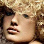 capelli corti ricci4 150x150   Dai forma ai tuoi ricci! 40 foto per scegliere il taglio capelli che fa per te!