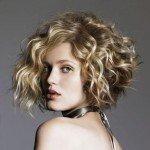 capelli corti ricci9 150x150   Dai forma ai tuoi ricci! 40 foto per scegliere il taglio capelli che fa per te!