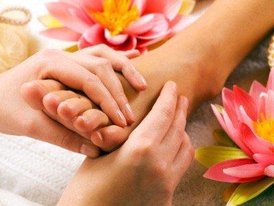 Farmaci per trattamento di un fungo sulle dita di mani