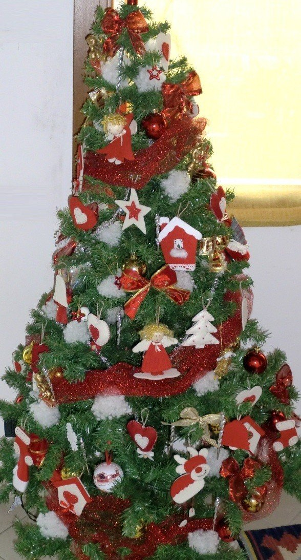 Un albero di natale originale addobbalo con il feltro - Decorazioni natalizie in feltro ...
