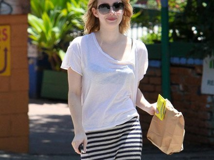 emma-roberts-maxi-gonna-righe