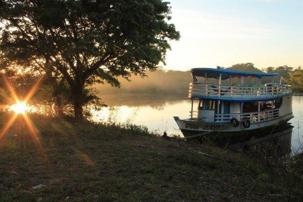viaggio-in-amazzonia-battello