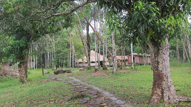 viaggio-in-amazzonia-villaggio