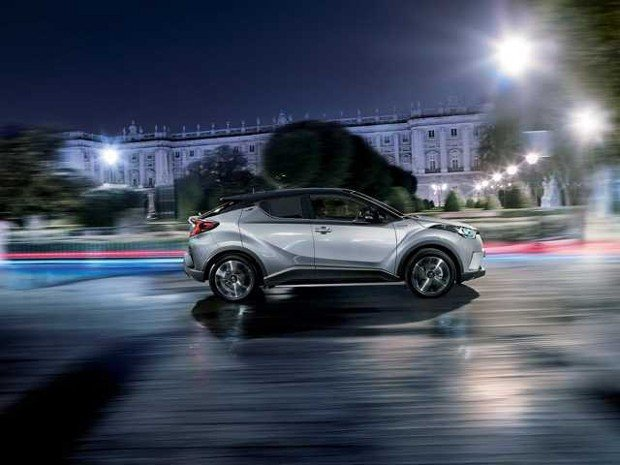 toyota-c-hr-2016-Profile-Night-Dynamic-FULL_tcm-20-634330
